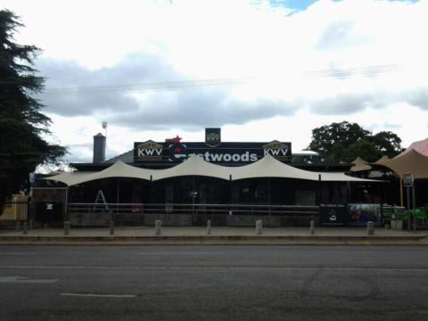 custom-stretch-tent-restaurant